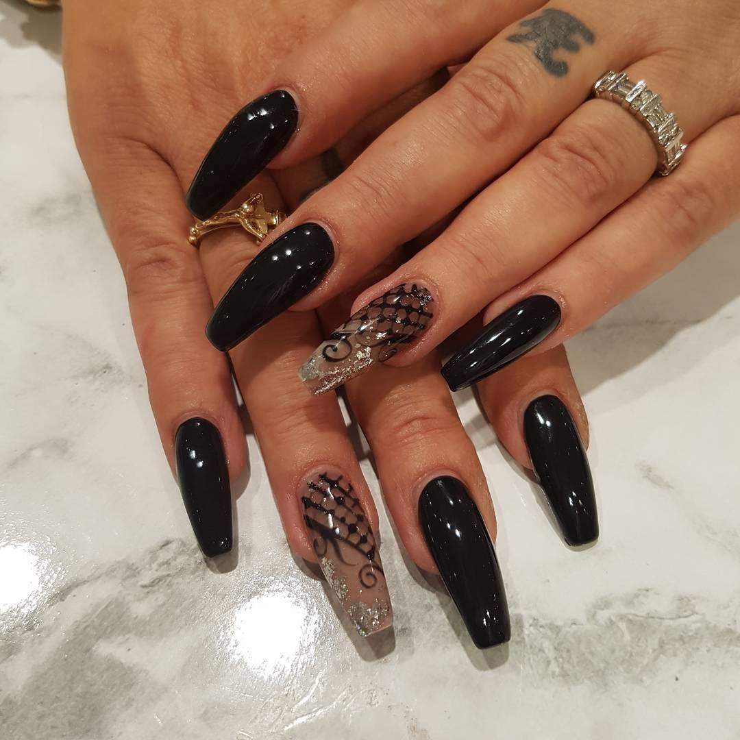 elegant black nail designs 2019 14 - Elegant Black Nail Designs 2019