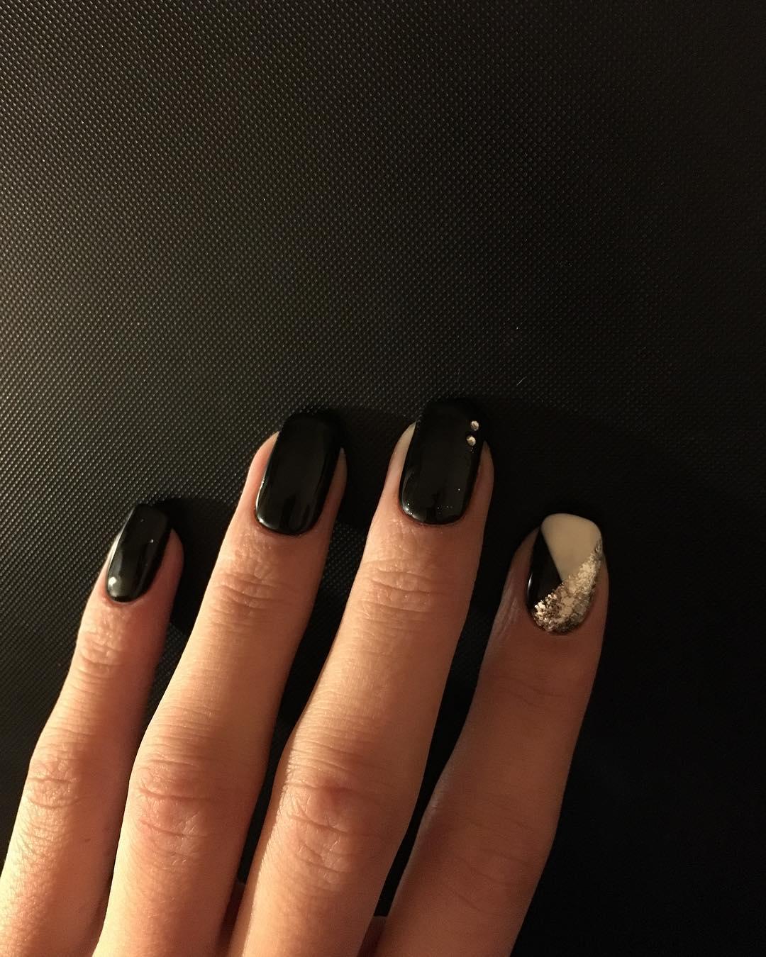elegant black nail designs 2019 5 - Elegant Black Nail Designs 2019