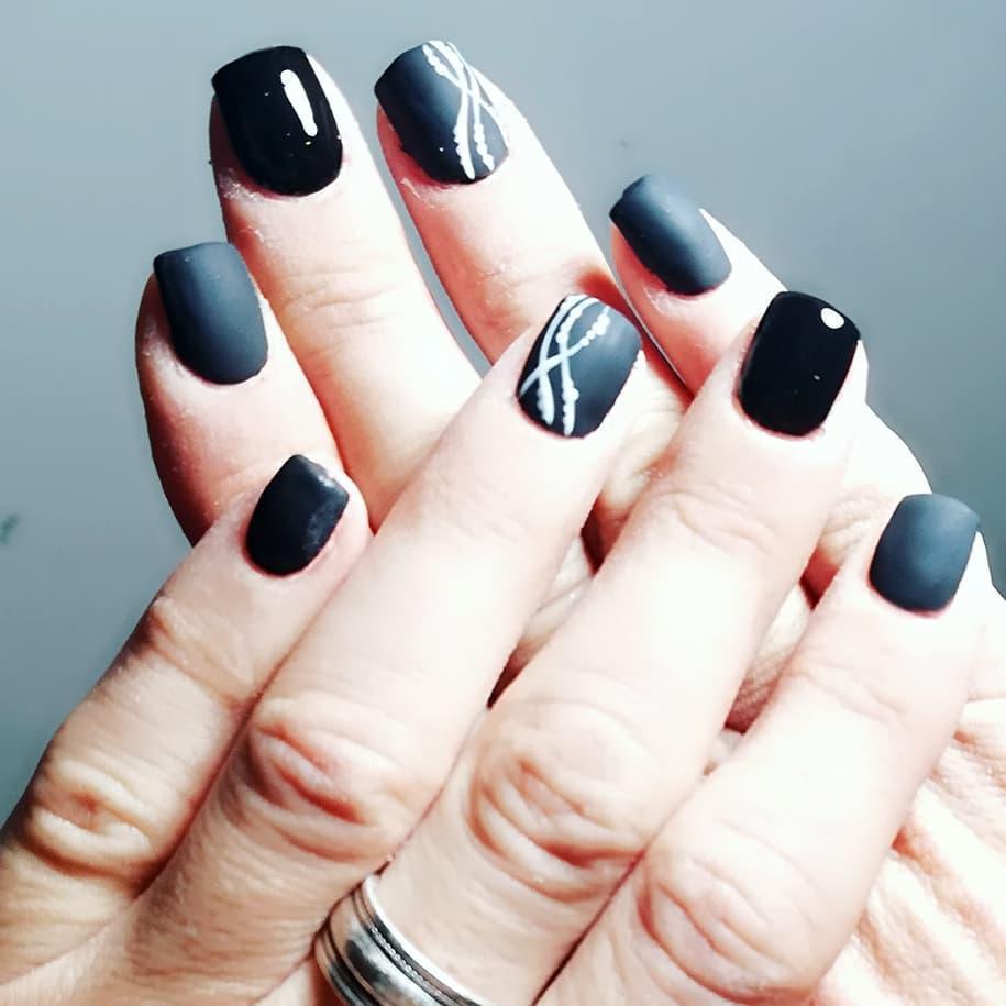 elegant black nail designs 2019 9 - Elegant Black Nail Designs 2019
