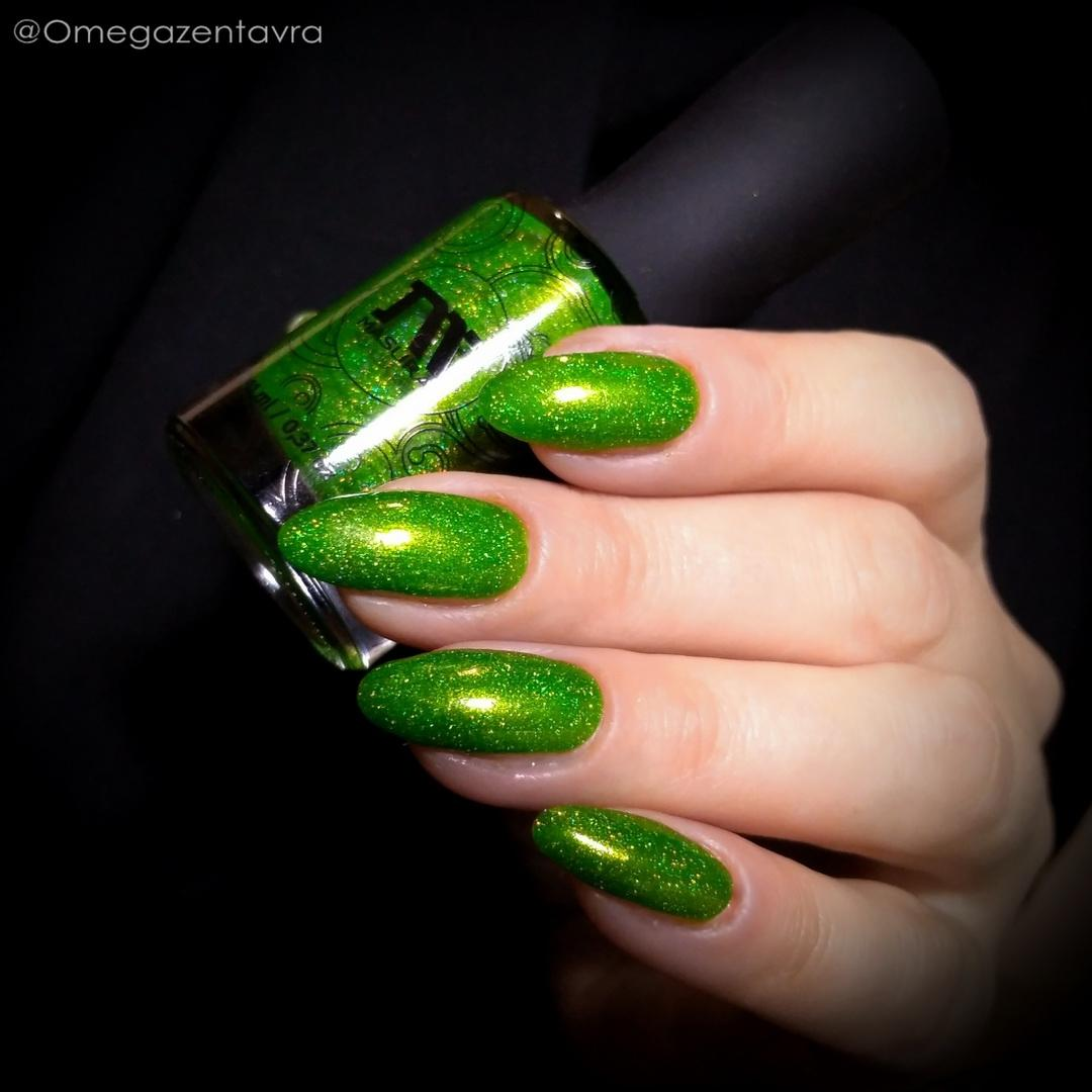 green nail art ideas and designs for 2019 14 - 17 Green Nail Art Ideas and Designs for 2019