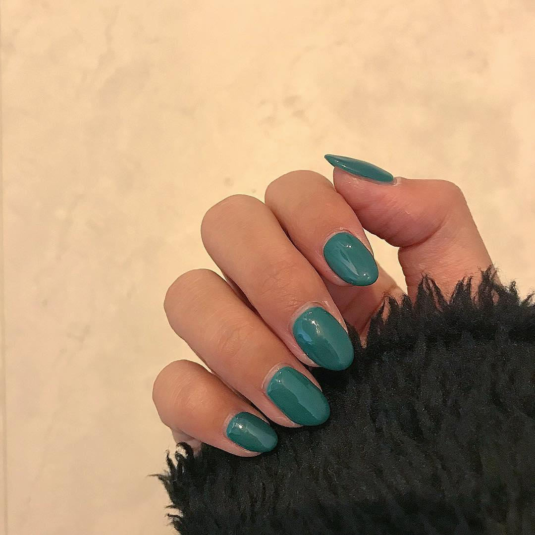 green nail art ideas and designs for 2019 8 - 17 Green Nail Art Ideas and Designs for 2019