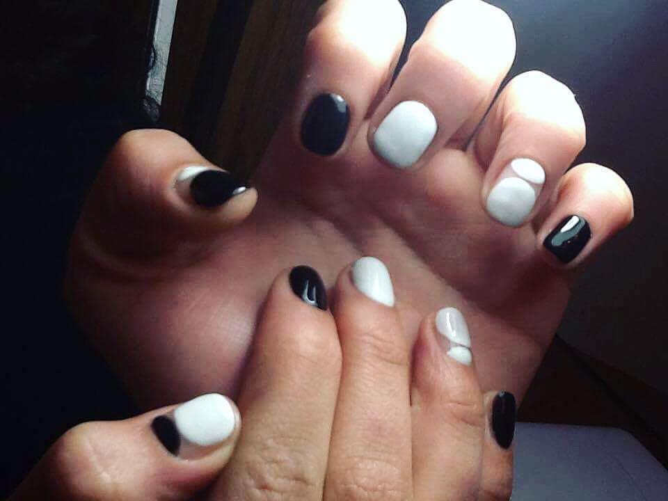 incredible black and white nail designs 12 - 16 Incredible Black and White Nail Designs