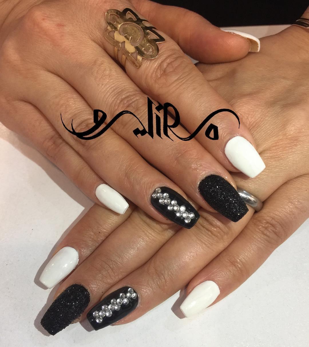incredible black and white nail designs 15 - 16 Incredible Black and White Nail Designs