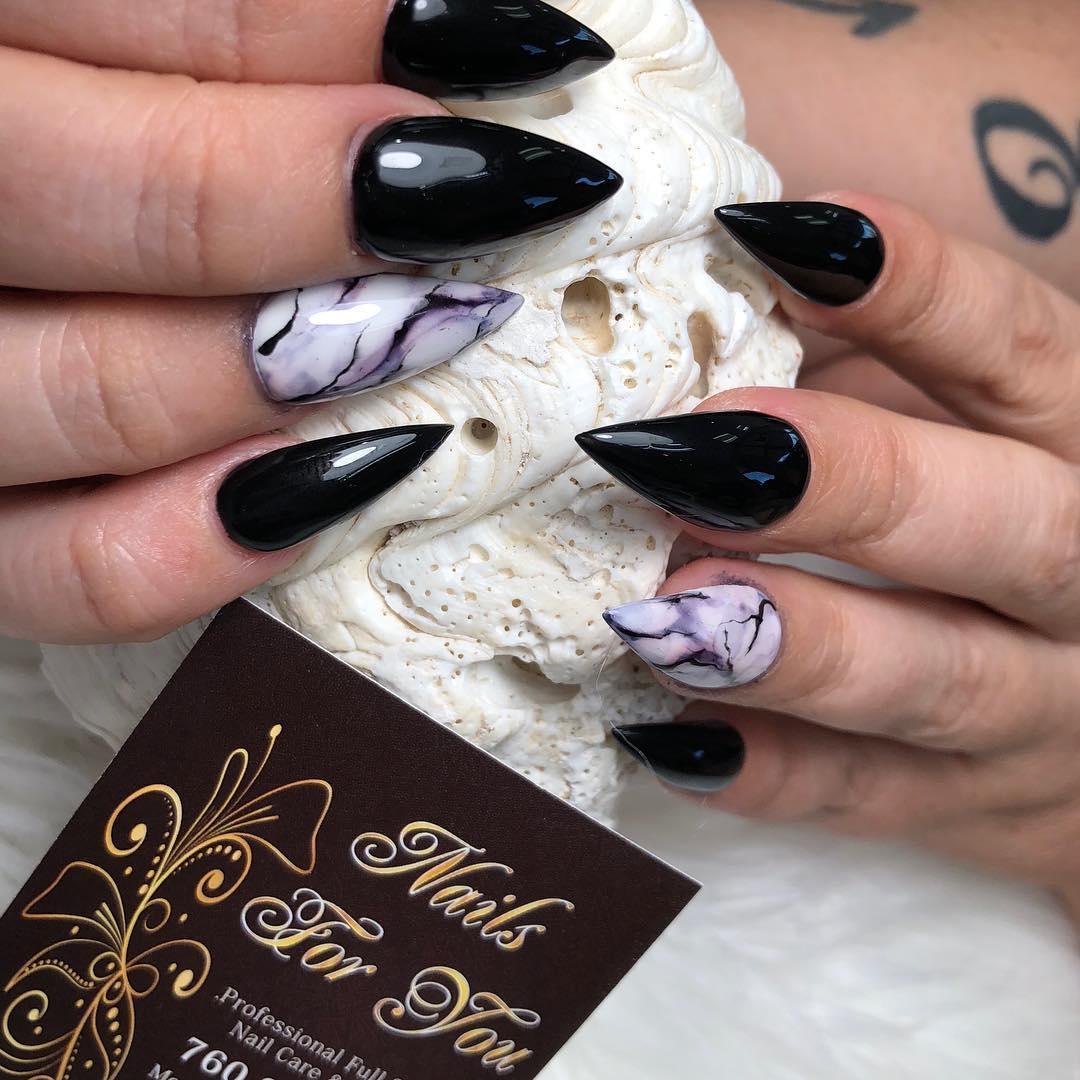 incredible black and white nail designs 5 - 16 Incredible Black and White Nail Designs