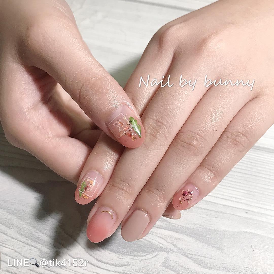 pretty spring nail art designs 14 - Pretty Spring Nail Art Designs 2019