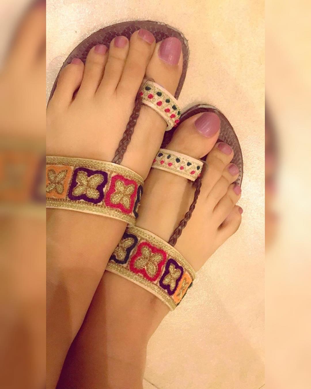 pretty toe nail design ideas 2019 10 - 15 Pretty Toe Nail Design Ideas 2019
