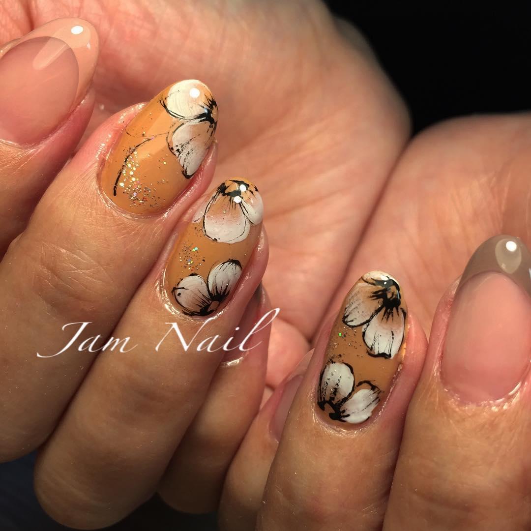 simple flower nail design ideas 2019 17 - 24 Simple Flower Nail Design Ideas 2019