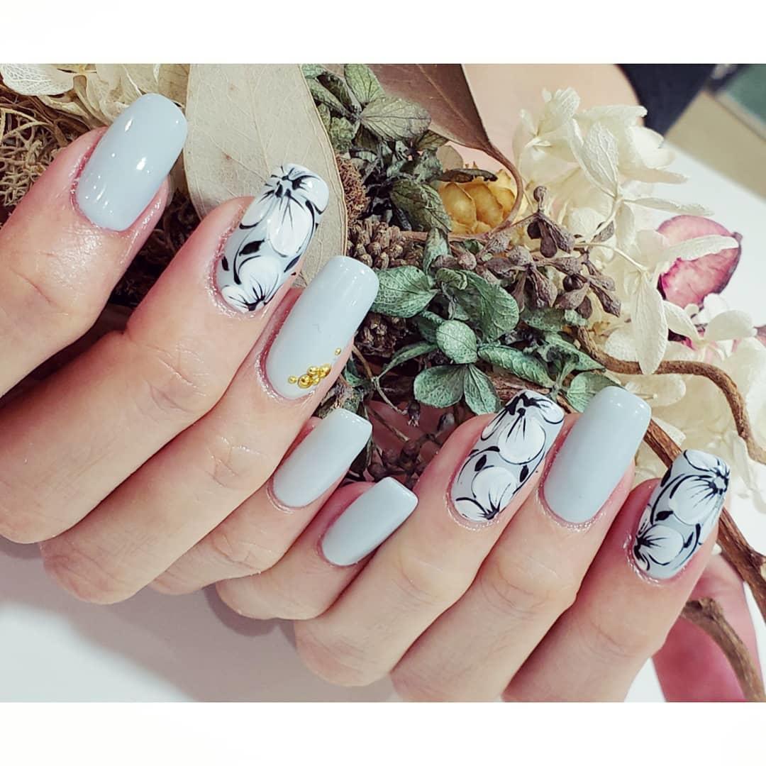 simple flower nail design ideas 2019 18 - 24 Simple Flower Nail Design Ideas 2019