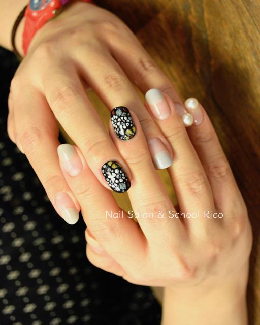 simple flower nail design ideas 2019 2 - 24 Simple Flower Nail Design Ideas 2019