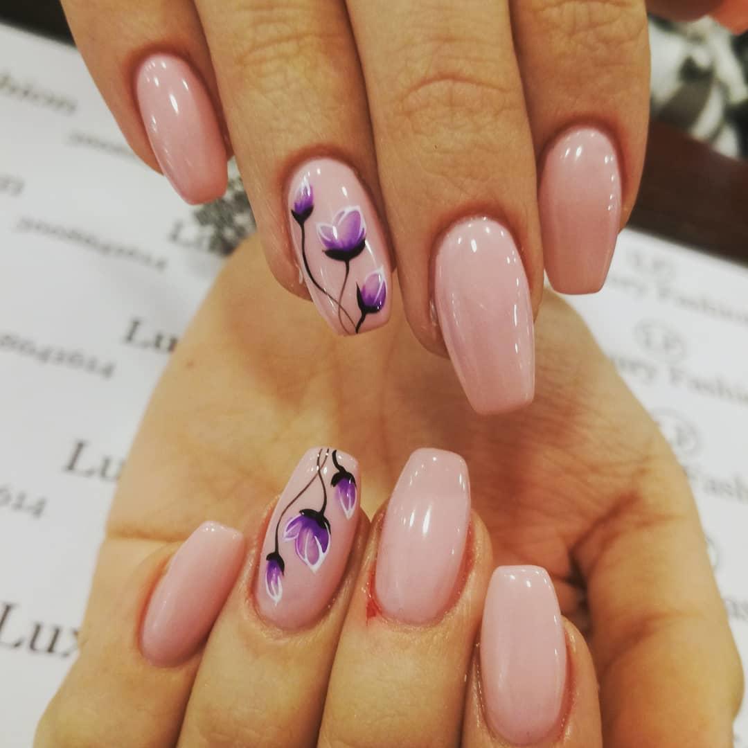 simple flower nail design ideas 2019 23 - 24 Simple Flower Nail Design Ideas 2019