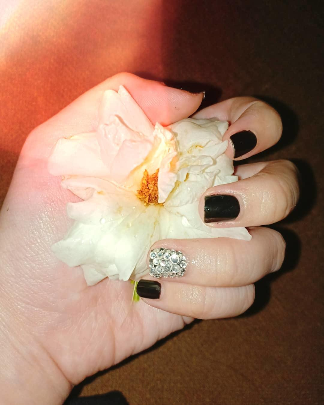simple flower nail design ideas 2019 4 - 24 Simple Flower Nail Design Ideas 2019