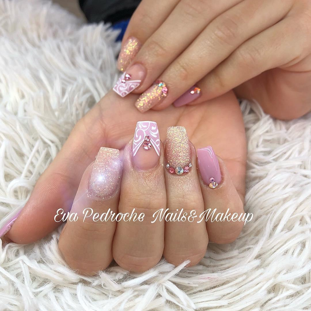smashing glitter nail polish designs and ideas 2019 1 - Smashing Glitter Nail Polish Designs and Ideas 2019