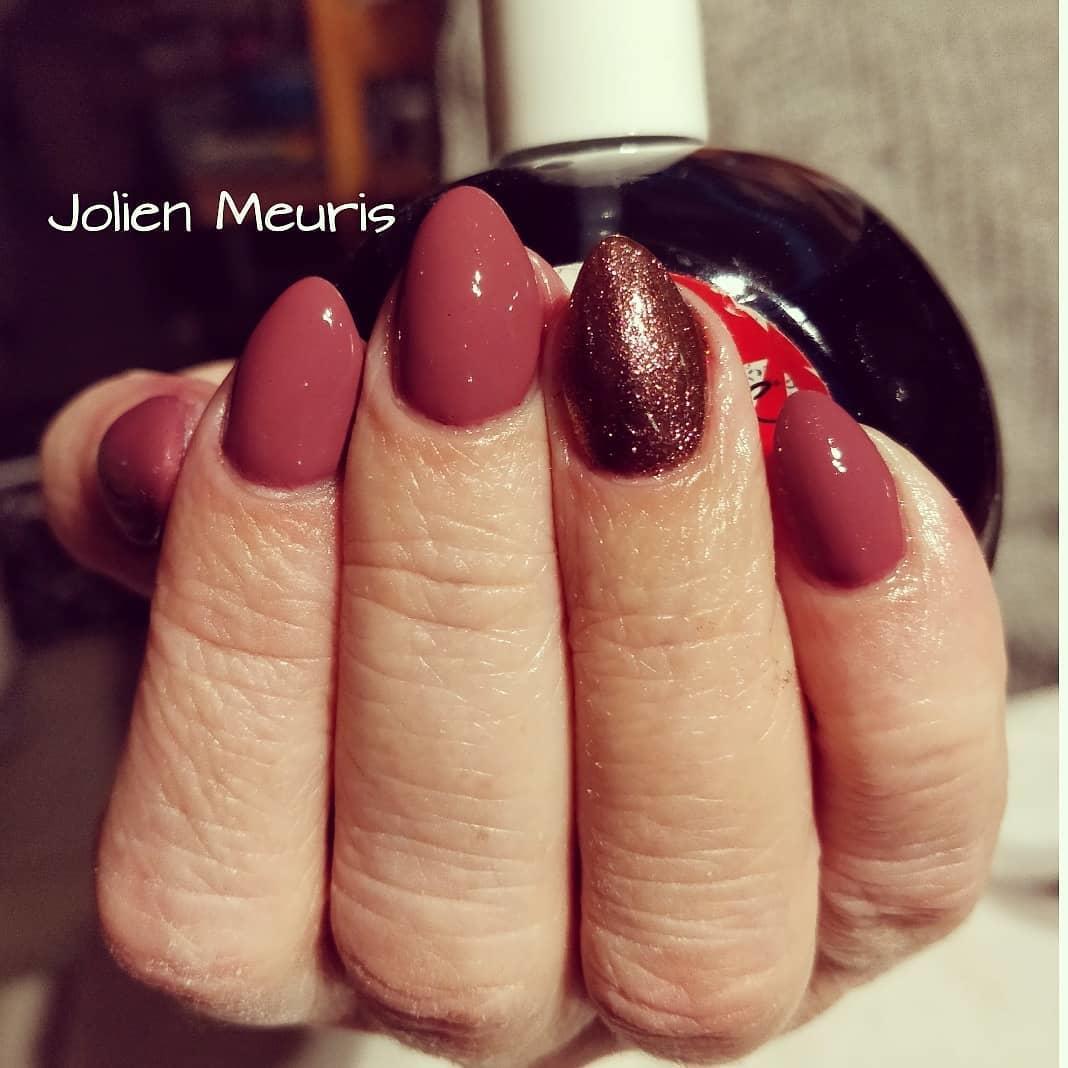 smashing glitter nail polish designs and ideas 2019 15 - Smashing Glitter Nail Polish Designs and Ideas 2019
