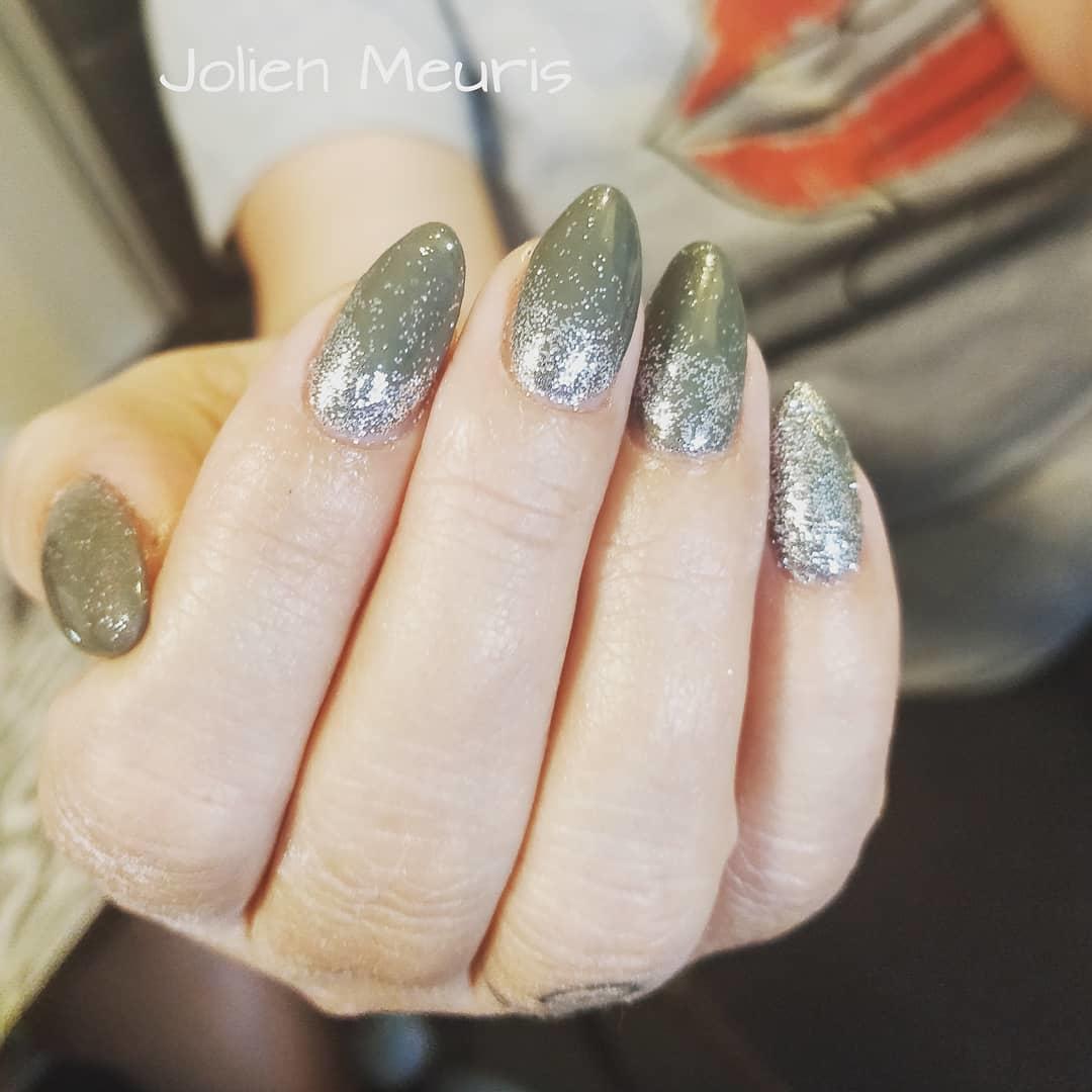smashing glitter nail polish designs and ideas 2019 16 - Smashing Glitter Nail Polish Designs and Ideas 2019