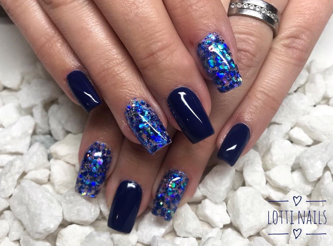 smashing glitter nail polish designs and ideas 2019 19 - Smashing Glitter Nail Polish Designs and Ideas 2019