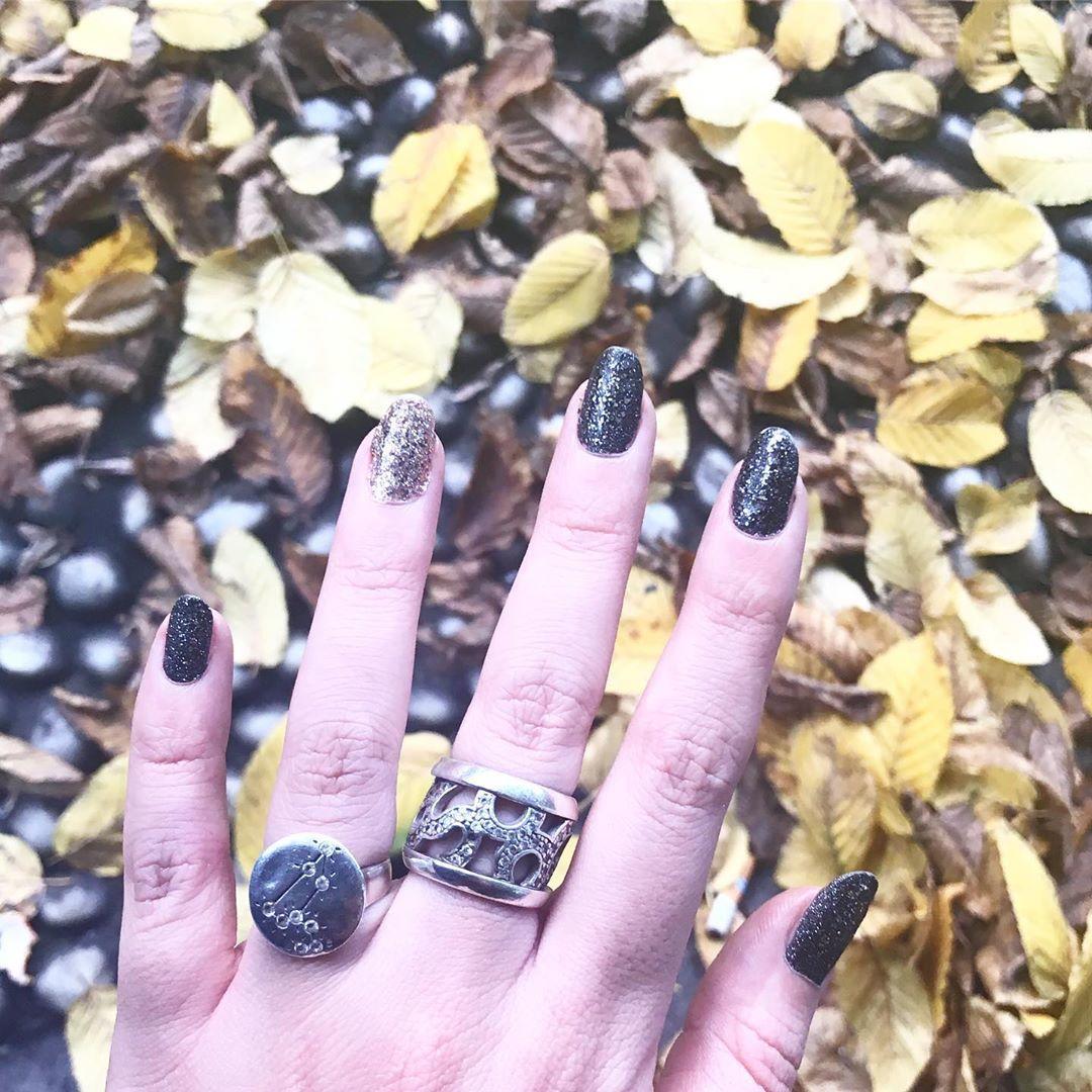 smashing glitter nail polish designs and ideas 2019 2 - Smashing Glitter Nail Polish Designs and Ideas 2019