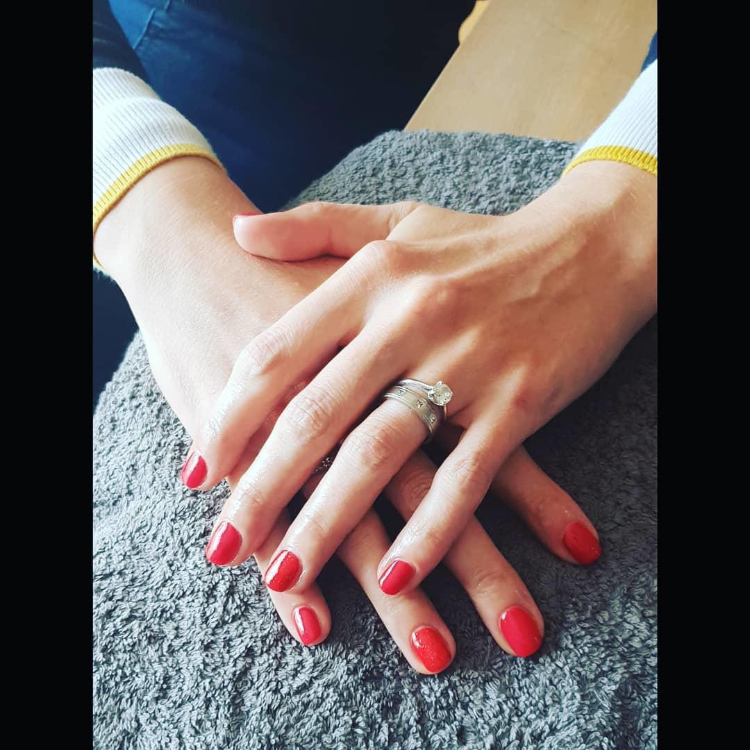 smashing glitter nail polish designs and ideas 2019 21 - Smashing Glitter Nail Polish Designs and Ideas 2019