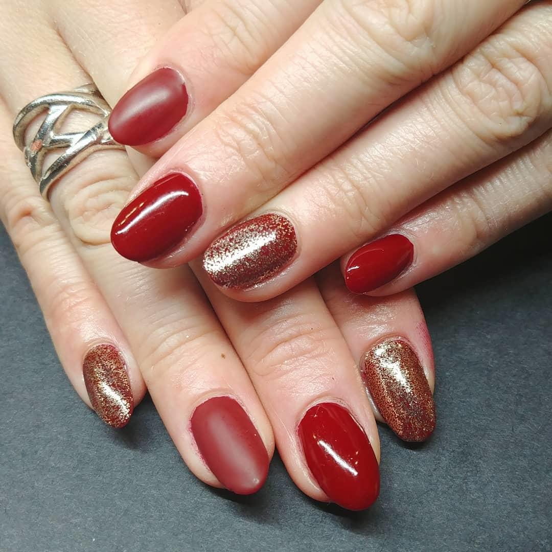 smashing glitter nail polish designs and ideas 2019 26 - Smashing Glitter Nail Polish Designs and Ideas 2019