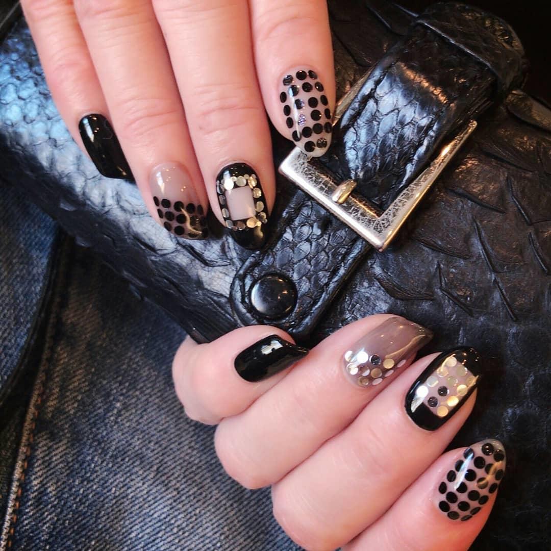 trendy black nail art designs and ideas 2019 17 - Trendy Black Nail Art Designs and Ideas 2019