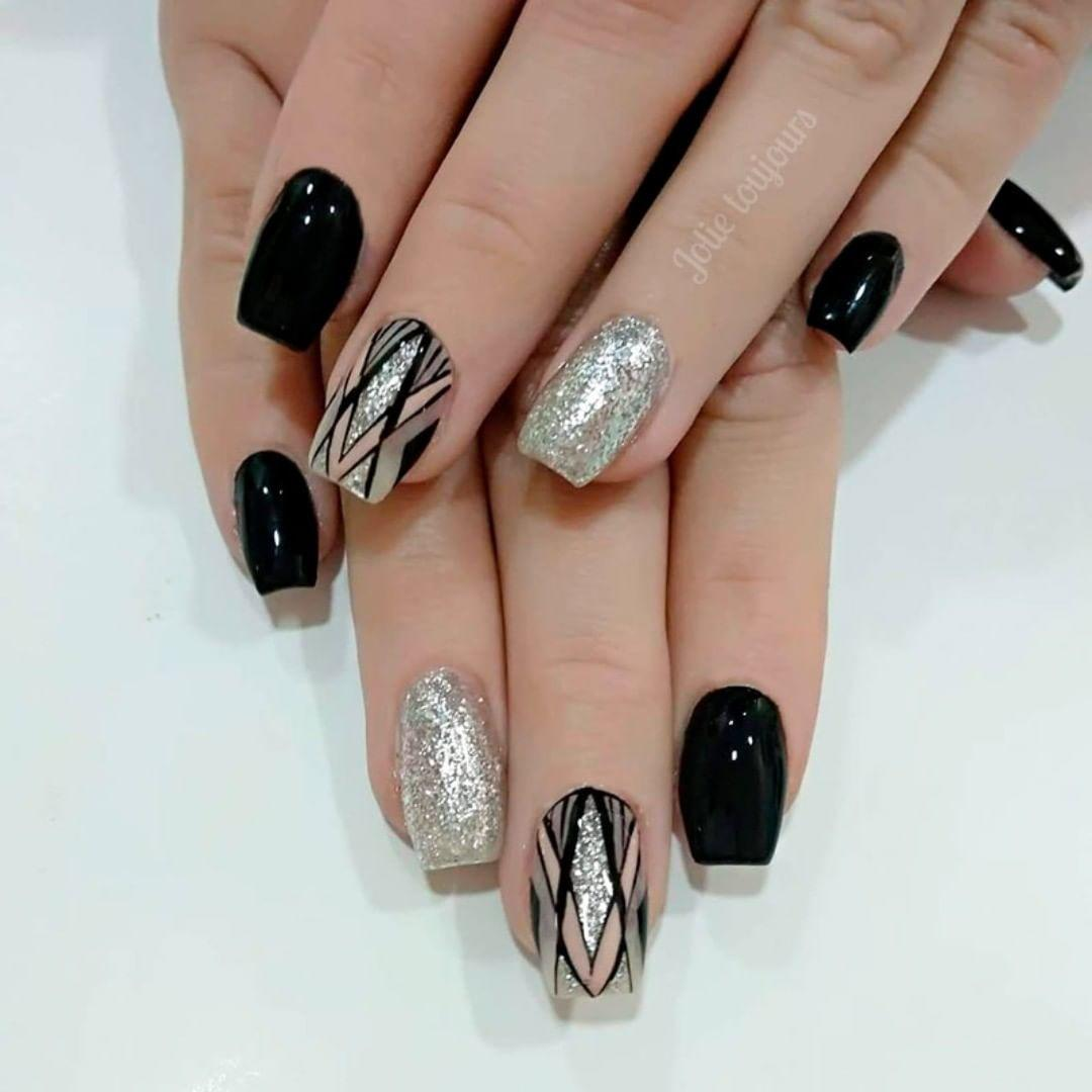 trendy black nail art designs and ideas 2019 18 - Trendy Black Nail Art Designs and Ideas 2019