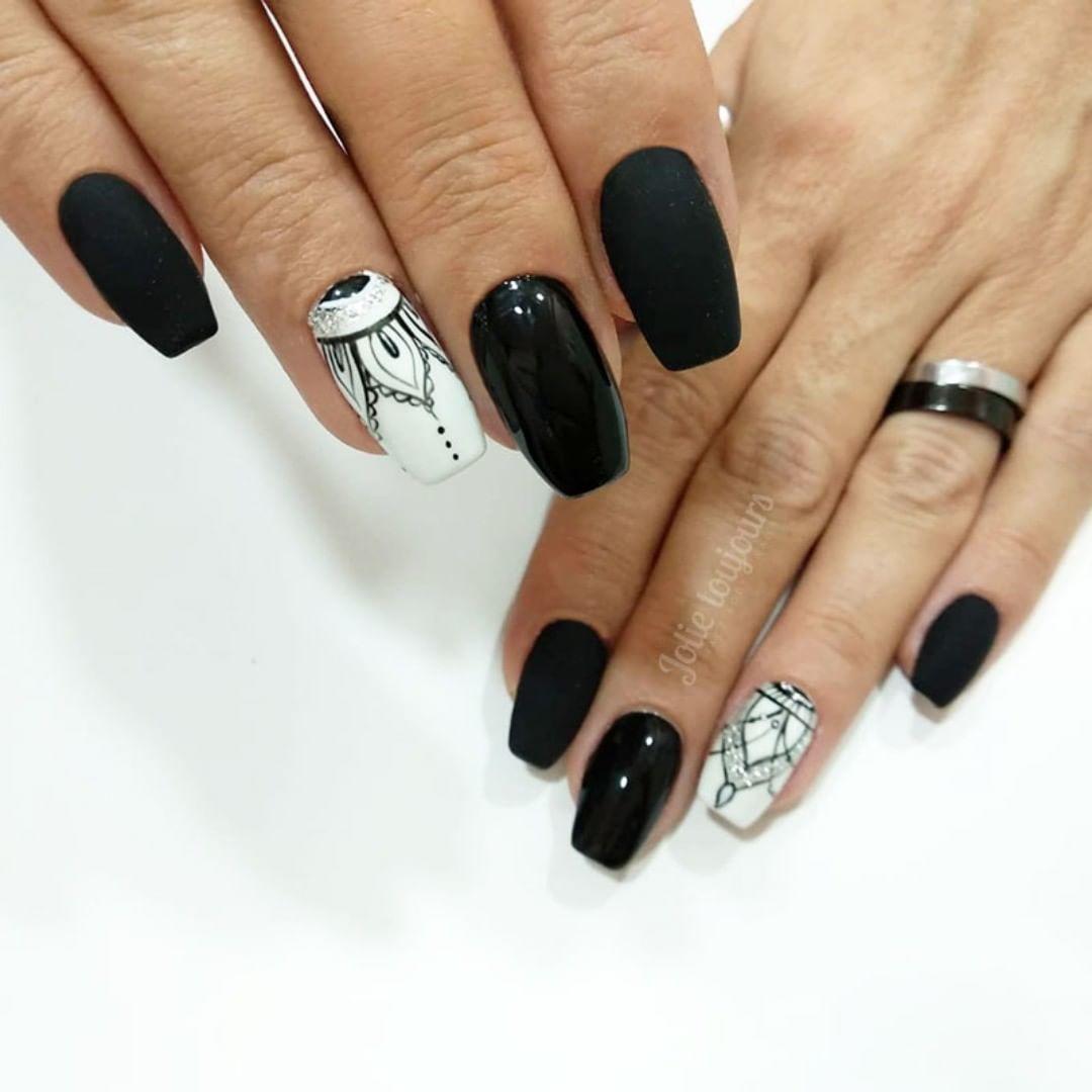 trendy black nail art designs and ideas 2019 9 - Trendy Black Nail Art Designs and Ideas 2019